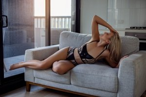 Maria-emilia sex dating in Poughkeepsie
